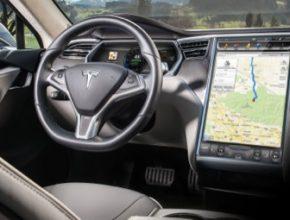 auto Tesla elektromobil interiér
