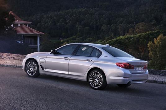 auto plug-in hybrid BMW 530e iPerformance
