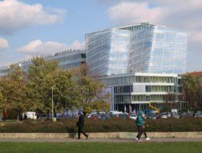 auto Český institut informatiky robotiky a kybernetiky (CIIRC) byl na Českém vysokém učení technickém v Praze (ČVUT) založen 1. 7. 2013.
