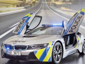 auto Plug-in hybridní sportovní BMW i8 ve službách Policie ČR