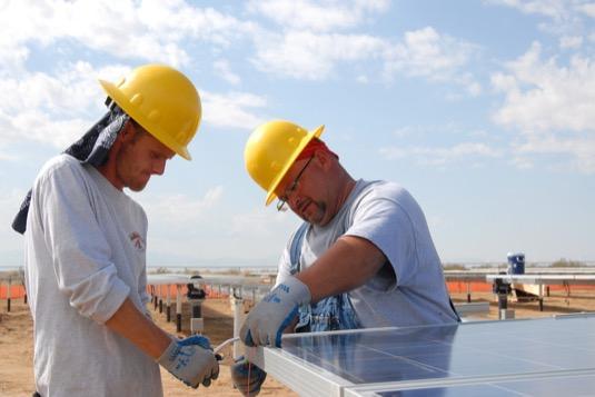 Aktuální data pro rok 2016 vyplývají znové studie Mezinárodní agentury pro obnovitelné zdroje (IRENA).