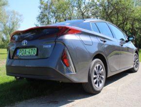 auto Toyota Prius PHV plug-in hybrid test