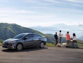 auto Toyota Prius Prime PHV plug-in hybrid Japonsko prodeje