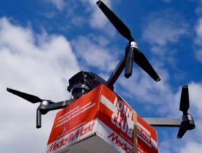 Na kratší vzdálenost budou drony nepřekonatelné, ale ve váze zásilek se propadají.
