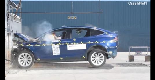 auto elektromobil Tesla Model X NHTSA crash-test video