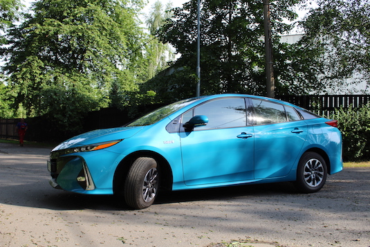 auto test Toyota Prius Plug-in Hybrid Prime