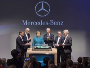 auto D382179-Daimler-lays-foundation-for-one-of-the-biggest-and-most-modern-battery-factories-in-the-world