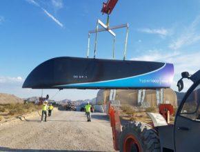 auto Hyperloop One test nosič