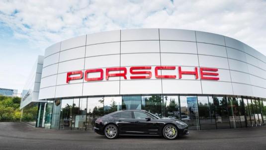 auto Porsche Berlín Adlershof centrum