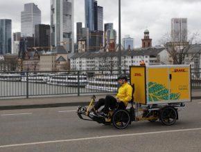 auto DHL čtyřkolka šlapací elektrokolo nákladní