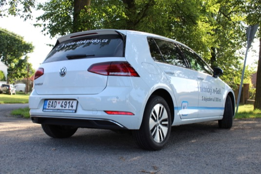 auto elektromobil Volkswagen e-Golf 35,8 kWh