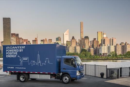 auto Daimler FUso eCanter elektrický náklaďák truck