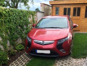 Příď z Opelu Zafira závidějí američtí majitelé Chevroletu Volt evropským uživatelům asi stejně tak, jako my jim zase dostupnost druhé generace Voltu, který se již do Evropy nedostal a asi ani nedostane.