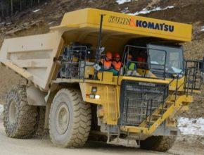 auto elektromobil dumper dampr Komatsu Kuhn Švýcarsko