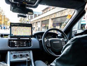 Společnost Jaguar Land Rover se zapojí do prvních silničních testů autonomních a propojených vozidel ve Velké Británii. Testování v reálném provozu posune automobilku Jaguar Land Rover o další krok blíže k uvedení inteligentních vozidel do skutečného světa.