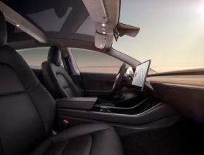 auto elektromobil Tesla Model 3 interiér