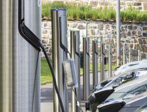 auto nabíjecí stojany pro elektromobily