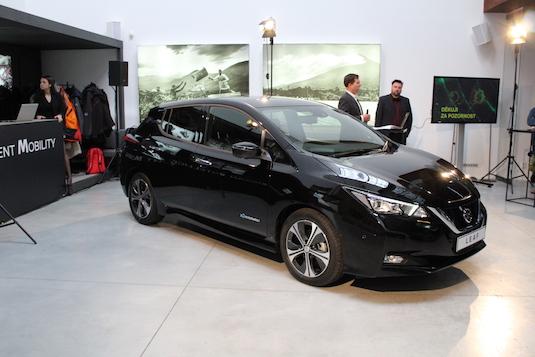 auto elektromobil nový Nissan Leaf