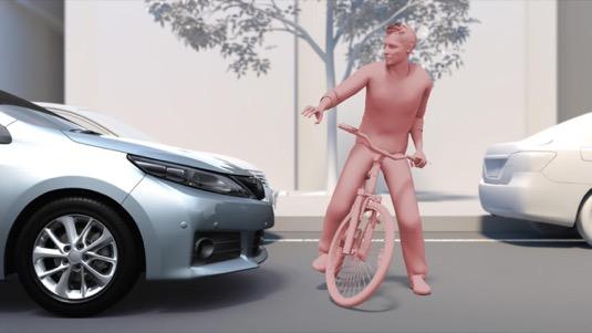 Modernizovaný předkolizní bezpečnostní systém (PCS) zajišťuje účinnější snížení rychlosti a spolehlivější rozpoznávání chodců i cyklistů