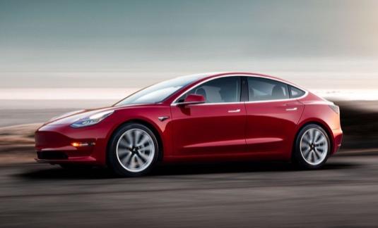 auto výroba elektromobilu Tesla Model 3