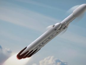auto vesmírná raketa Falcon Heavy
