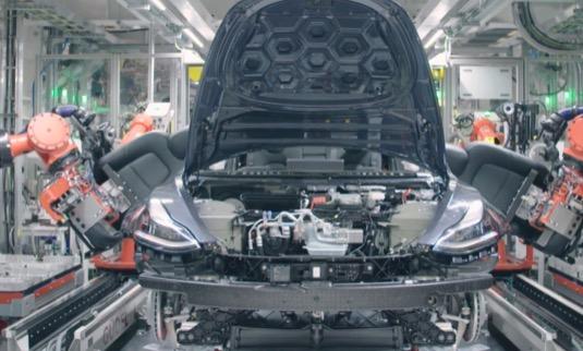 auto Tesla Model 3 výroba továrna Fremont