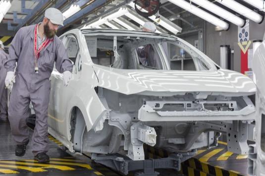 auto výroba elektromobilu Nissan Leaf v továrně Sunderland v Británii