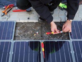 Platio Solar Paver: modulární dlažební systém vybavený výkonnými solárními články zabudovanými do dlažebních elementů zrecyklovaného plastu.
