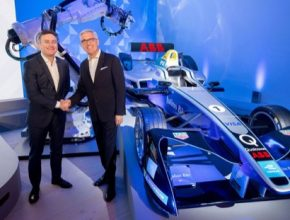 auto šéf Formula E Alejandro Agag a šéf ABB Ulrich Spiesshofer