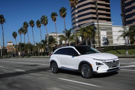 auto na vodík Hyundai Nexo CES 2018