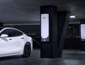 auto dobíjecí stanice Tesla Supercharger Čína