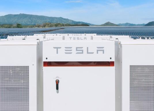 Tesla Powerpack baterie solární elektrárna Nový Zéland