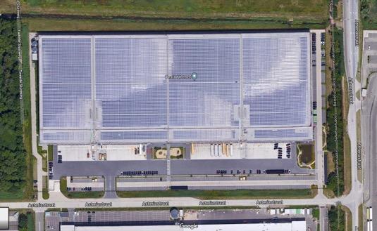 auto továrna Tesla Tilburg Nizozemsko solární elektrárna střešní panely