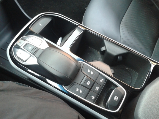 Volič jízdy elektromobilu Hyundai Ioniq Electric
