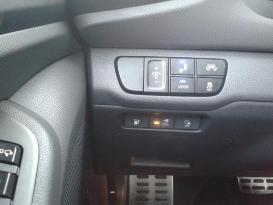 Ovládací tlačítka elektromobilu Hyundai Ioniq Electric
