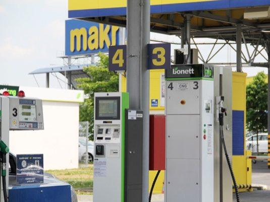 auto CNG plnící stanice na stlačený zemní plyn