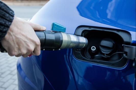 Smodely na CNG lze ujet až 1300 kilometrů bez doplňování paliva díky nádržím na zemní plyn a benzin