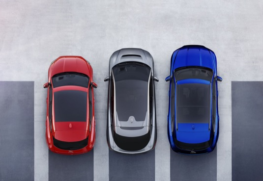 Model I-PACE je první elektrický vůz značky Jaguar a nejnovější člen rodiny PACE. Cena a podrobné specifikace budou oznámeny již brzy. Oficiálně se I-PACE představí veřejnosti na autosalonu vŽenevě 6. března.