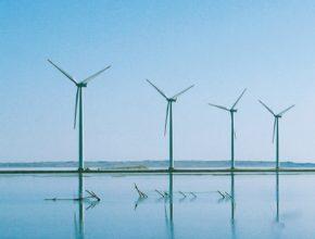Větrné turbíny elektrárny farma Francie Dánsko