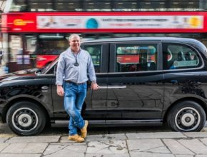 Nový plug-in hybridní taxík LEVC TX, známý také jako TX eCity, vyrábí společnost London EV Company (LEVC) se sídlem v Coventry. Dnes ovšem patří čínské automobilce Geely.