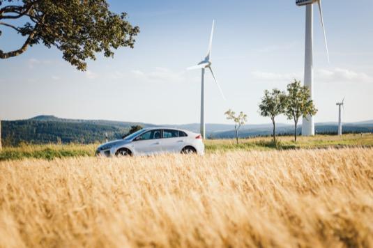 Elektromobil Hyundai Ioniq Electric obsadil první místo v hodnocení automobilů s nejnižšími provozními náklady na nezávislém webovém portálu Sust-it. Konkurovalo mu přitom 66 650 dalších vozidel.