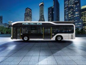 Sora je první autobus v Japonsku poháněný palivovými články, který získal typové osvědčení. Do roku 2020 se má vyrobit přes 100 kusů určených zejména pro Tokio, aby se mohly předvést na Olympijských hrách 2020.