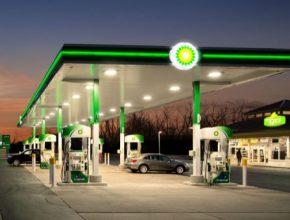 auto čerpací stanice benzinka BP British Petroleum