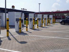 auto elektromobily ultra-rychlonabíjecí stanice Ionity Německo
