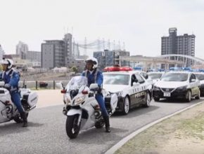 auto nový elektromobil Nissan Leaf jako policejní vůz