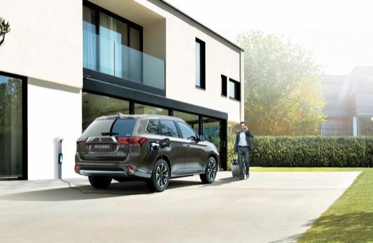 Mitsubishi Motors poskytuje SUV Outlander PHEV v roli úložiště energie, které může sloužit systémům pro zásobování budovy elektrickou energií k zajištění stabilních dodávek obnovitelné energie