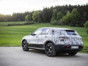 auto elektromobil Mercedes-Benz EQC, první plně elektrické SUV značky Mercedes.