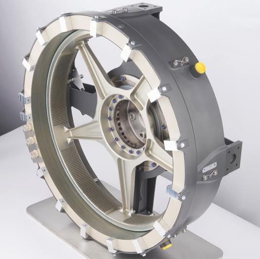Srdcem propulzního systému je nově vyvinutý elektrický motor SP200D s točivým momentem 30 Nm/kg