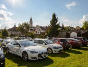 Zázemí Czech New Energies Rallye v českokrumlovské Pivovarské zahradě