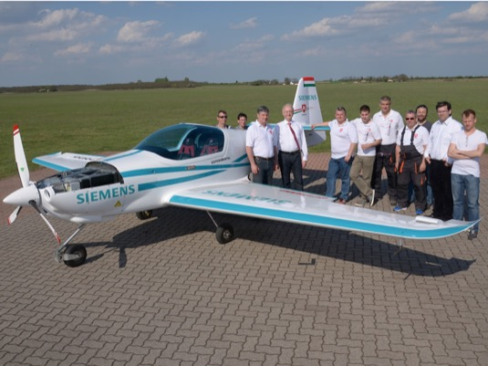 auto elektrické letadlo elektroletadlo Magnus eFusion